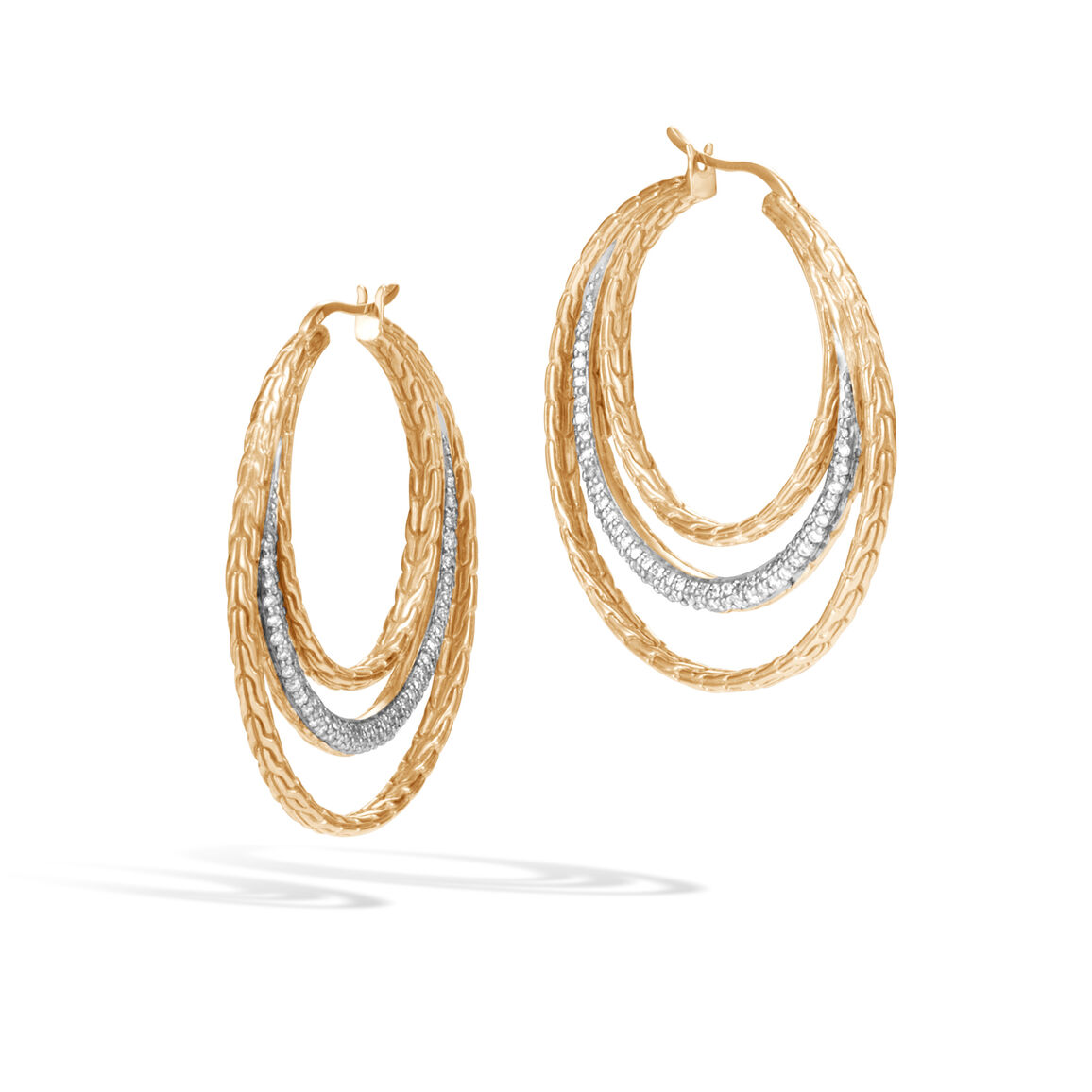 Classic Chain Medium Hoop Earring in 18K Gold with Diamonds