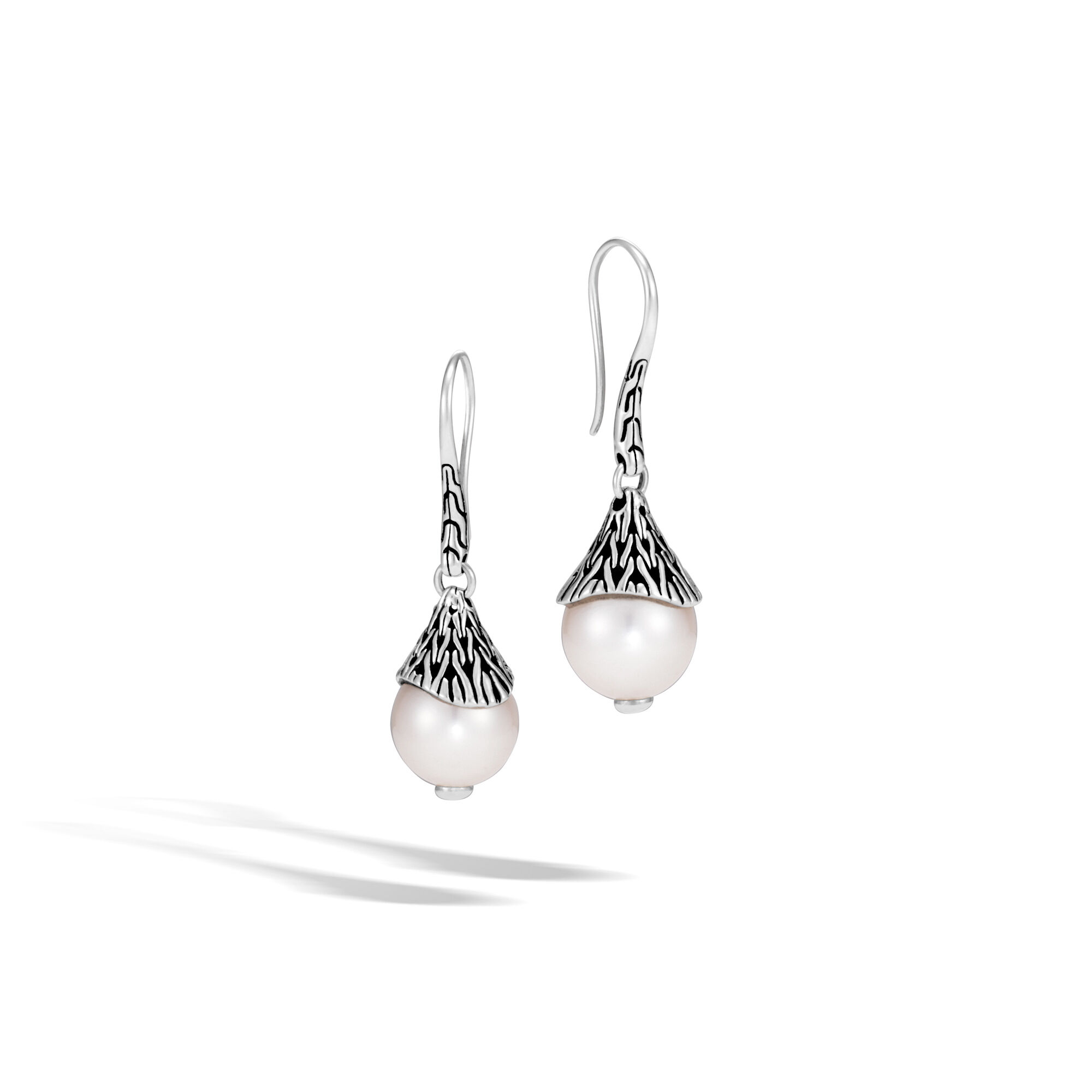John Hardy Classic Chain Drop Earring With Pearl White fresh water pearl h0y2Y