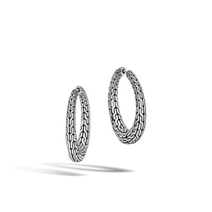 Classic Chain Graduated Small Hoop Earring in Silver