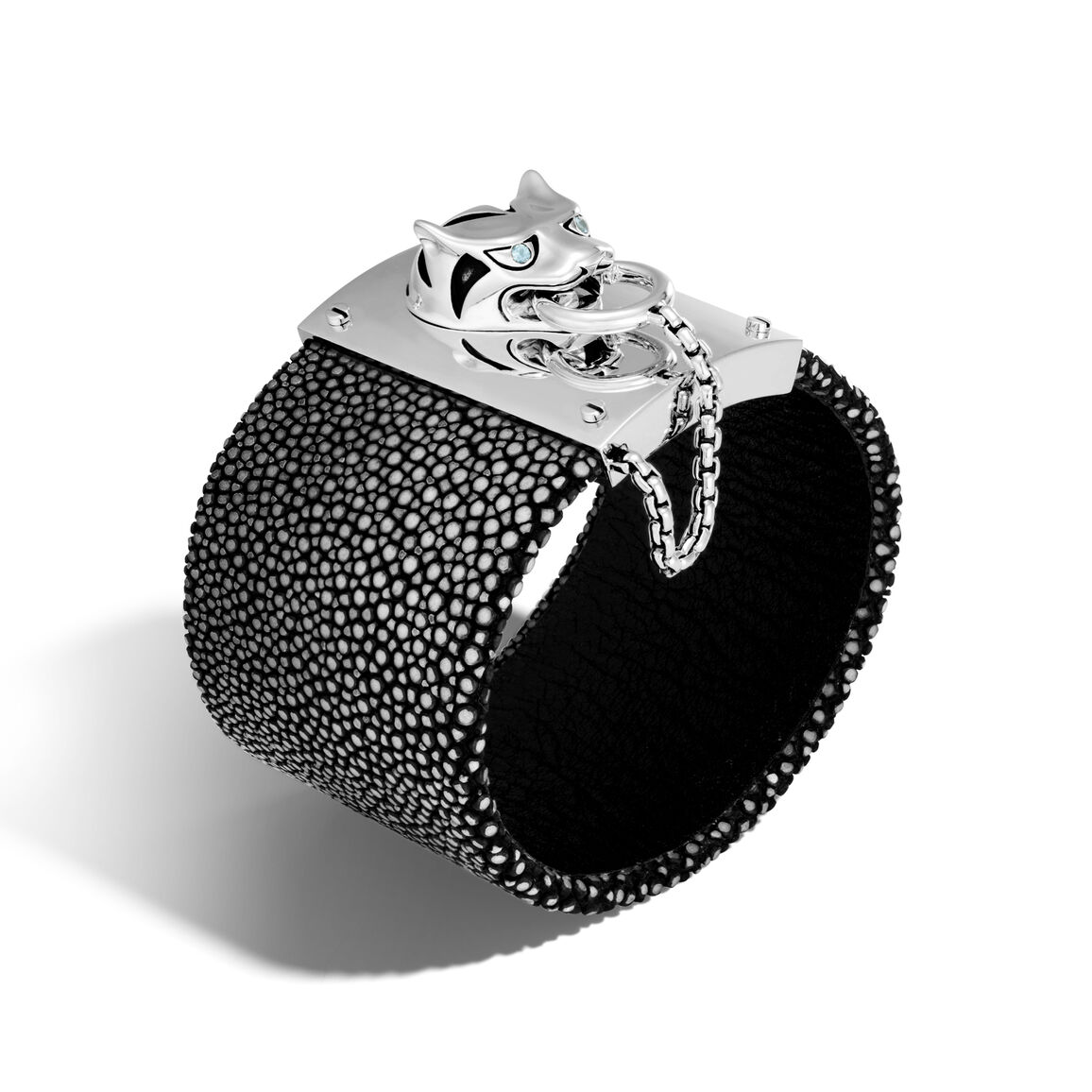Legends Macan Pull Lock Cuff in Silver and Stingray