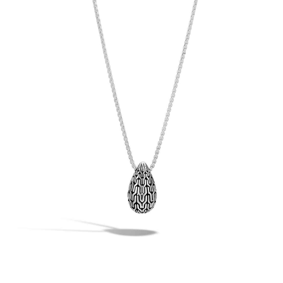 Classic Chain Pendant Necklace in Silver