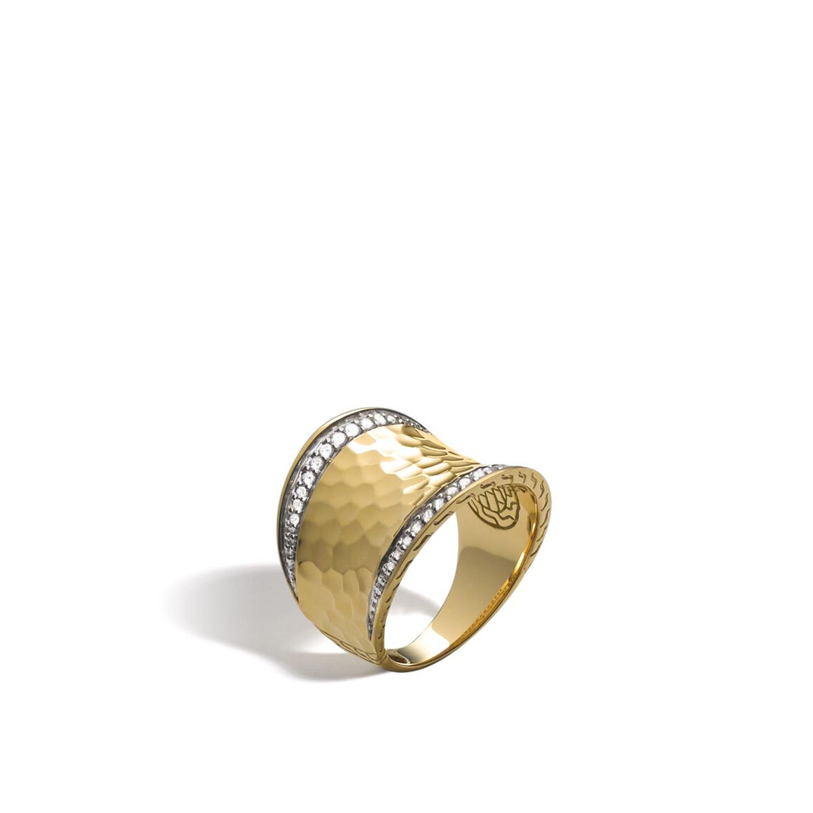 Classic Chain Saddle Ring in Hammered 18K Gold with Diamonds