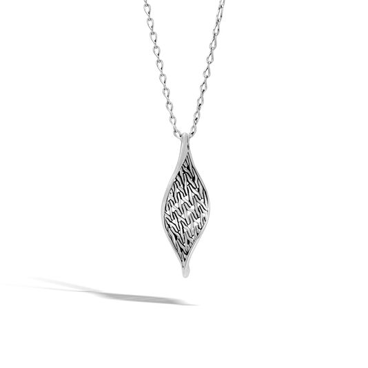 Classic Chain Wave Pendant Necklace in Silver, , large