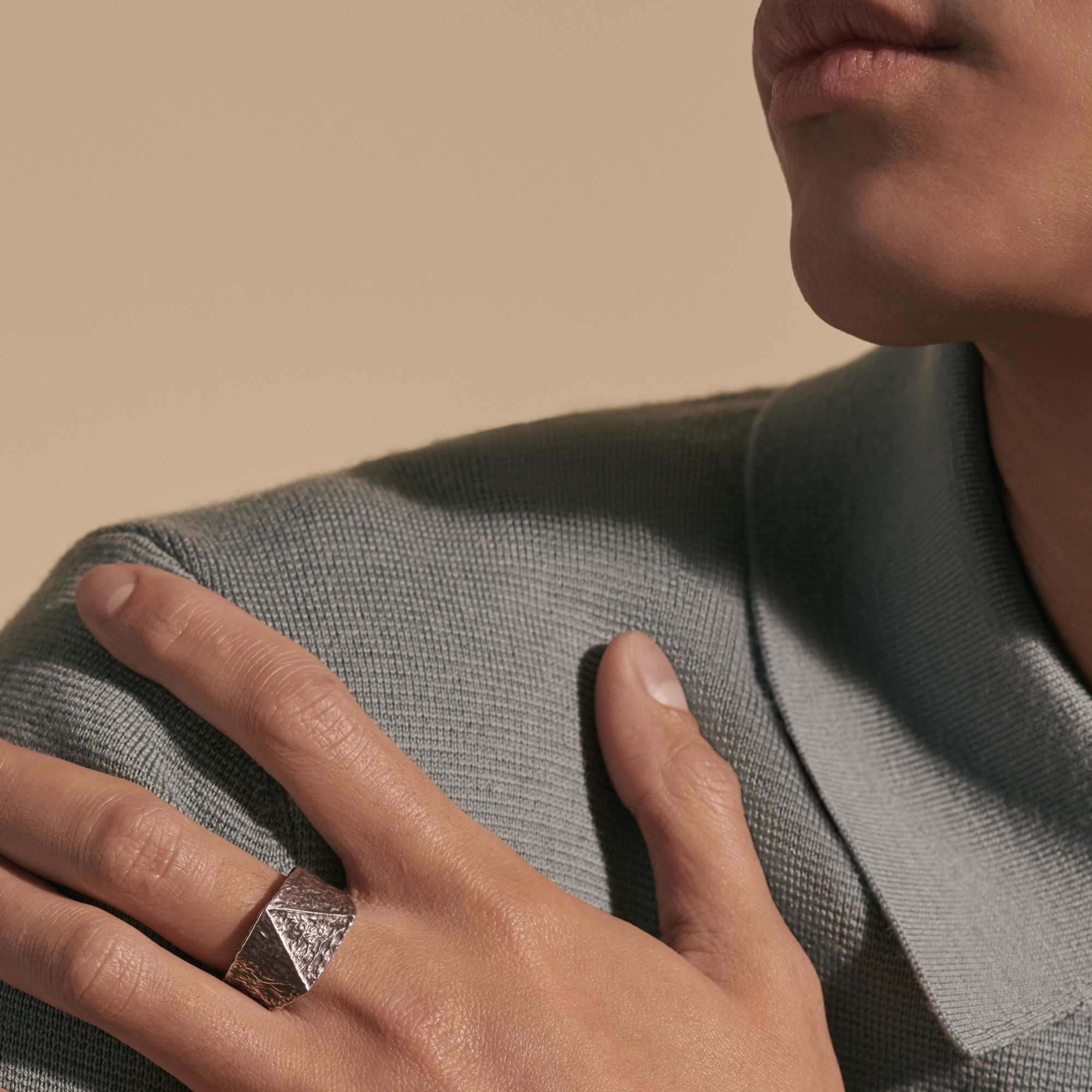 Tiga Reticulated Signet Ring, , modelview