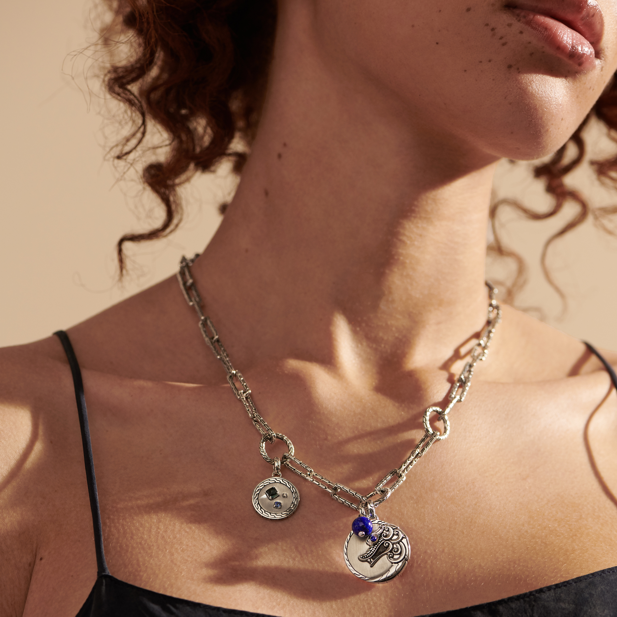 Classic Chain Amulet in Silver with Diamond, Blue Sapphire, modelview