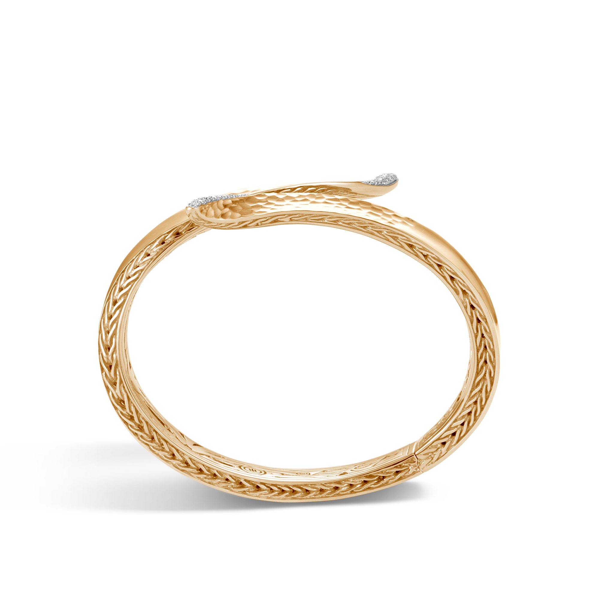 Classic Chain Wave Hinged Bangle in Hammered 18K Gold, Dia, White Diamond, large