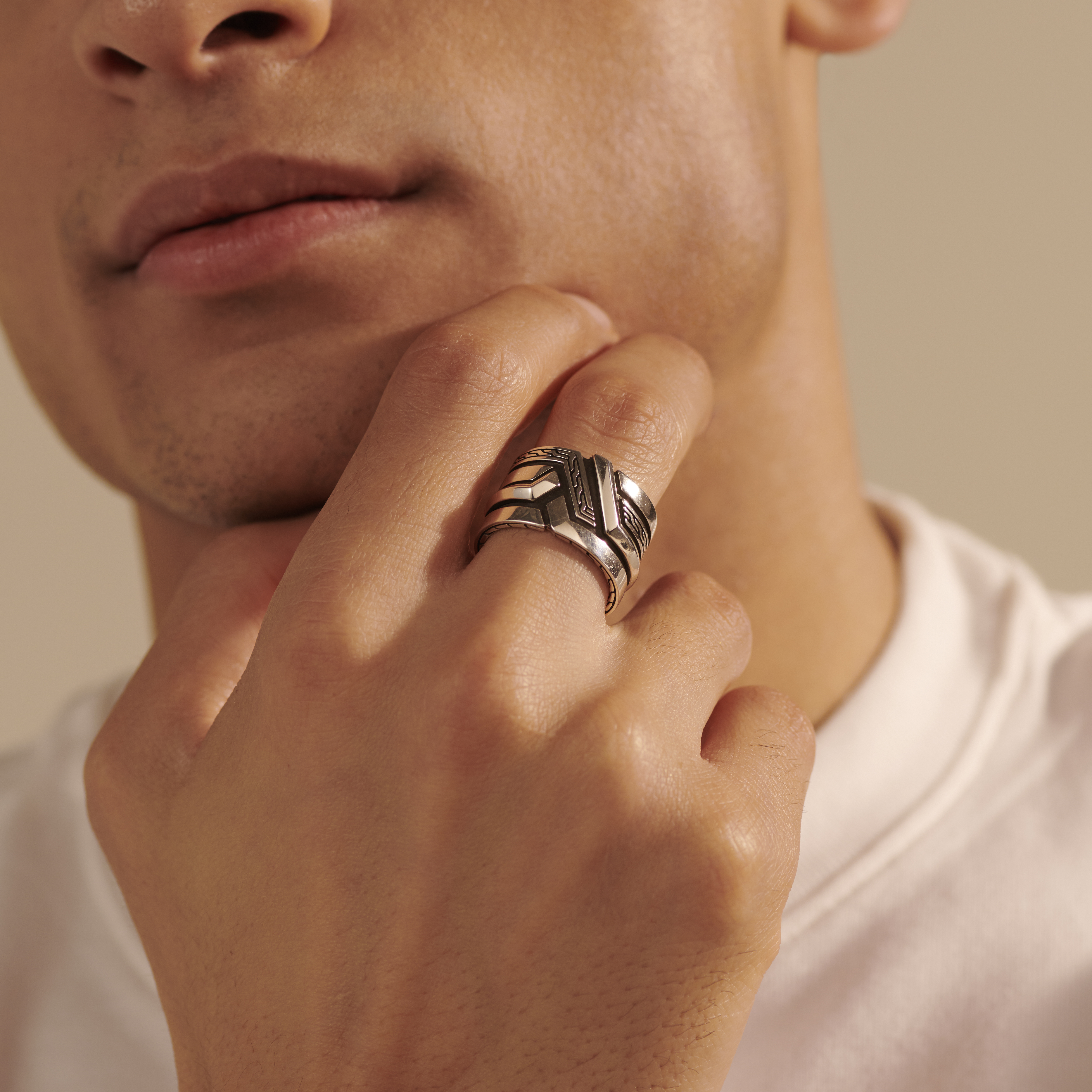 Classic Chain Band Ring in Silver, , modelview