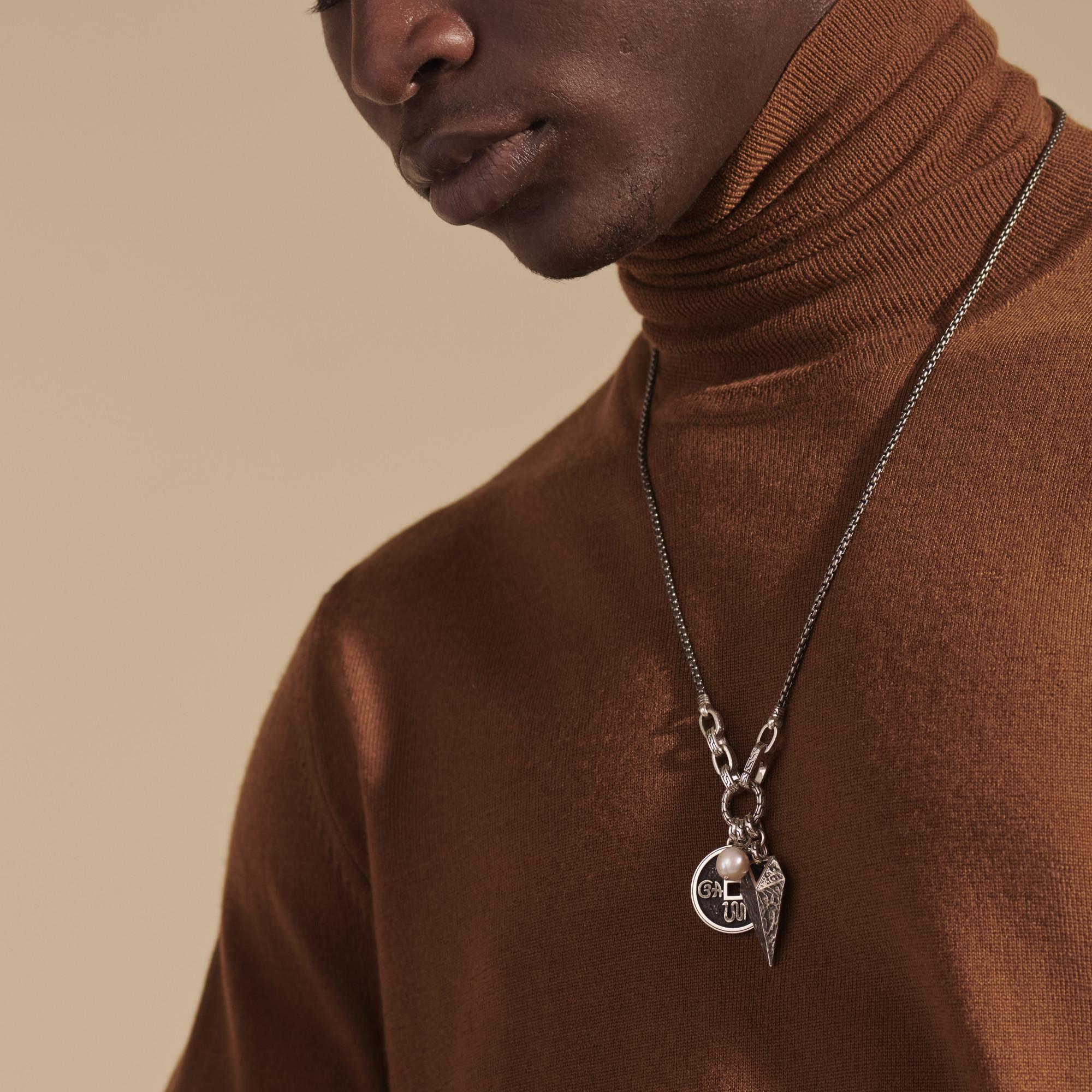 Tiga Amulet Keyring Necklace, , modelview